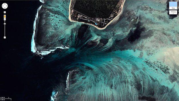 UnderwaterWaterfall5