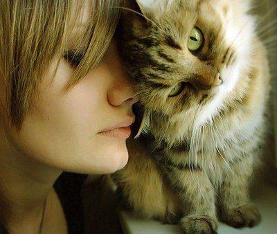 gato-e-mulher