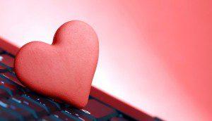 namoro-virtual-romance-na-internet-paixao-paquera-teclado-coracao-amor-1349740331368_956x550