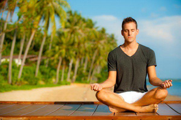 Meditando-num-local-paradisiaco-e1334237342222