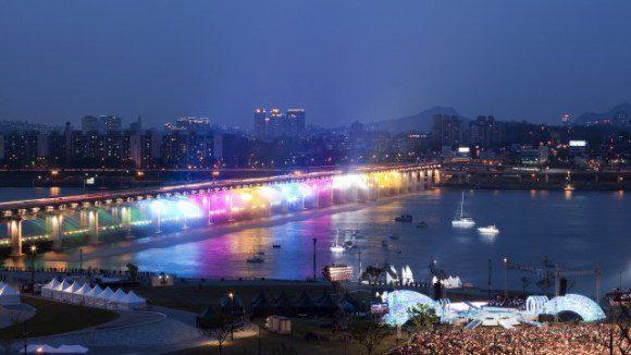 Rainbow-Fountain8-640x360