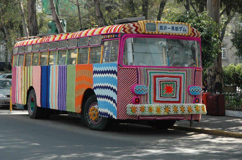 bus-yarn-bombing