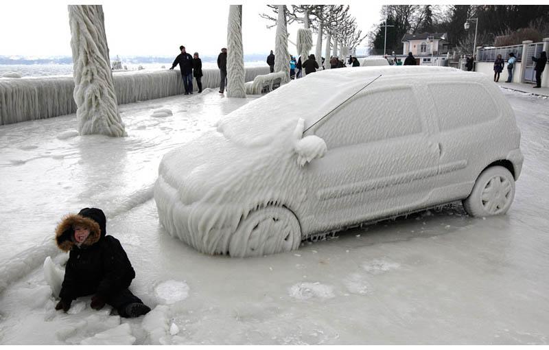 frozen-ice-car-geneva-switzerland