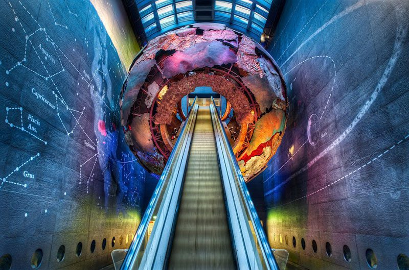 london-natural-history-museum-entrance