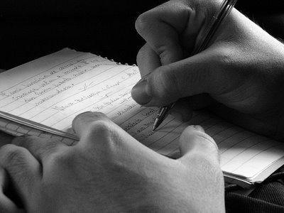 mao escrevendo1