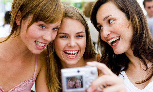 meninas-tirando-foto-14852