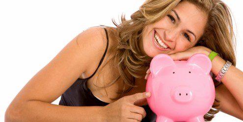 mulher-feliz-combate-desperdicio-dinheiro-11543