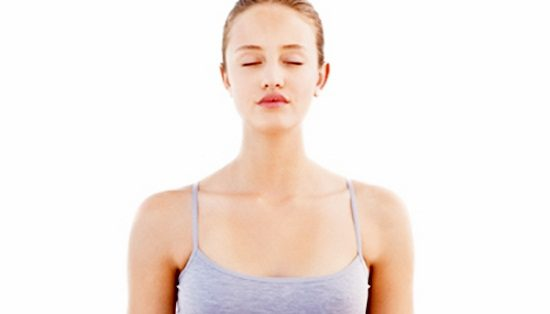 mulher yoga meditacao 450x338 ok
