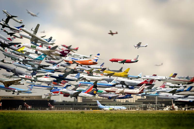 multiple-exposure-airplane-take-off-hannover-airport-ho-yeol-ryu