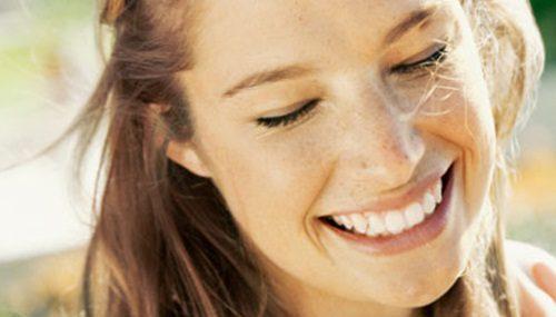 como-ser-gentil-cordialidade-sorriso