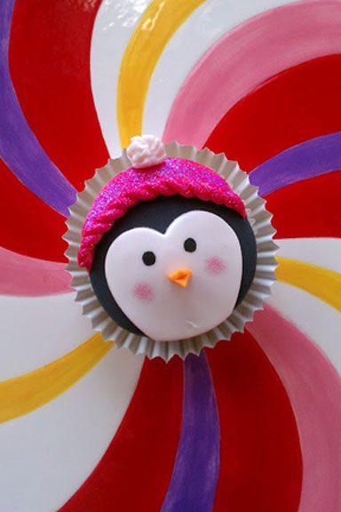 E por último mas não menos importante, este pinguim todos empacotados em um chapéu-de-rosa brilhante!