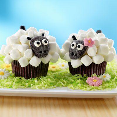 Este casal encantador ovelhas.