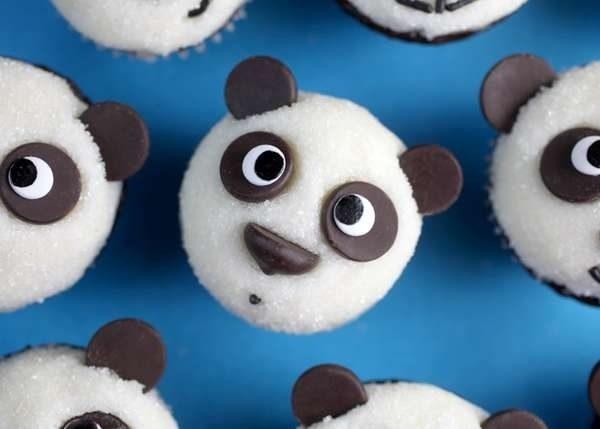 Este panda que está surpreso em vê-lo.