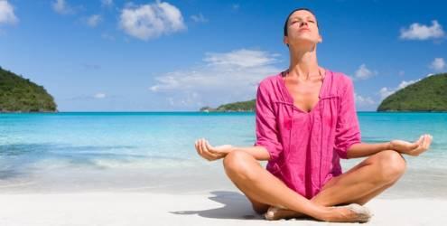 mulher-meditacao-praia-7893 (1)