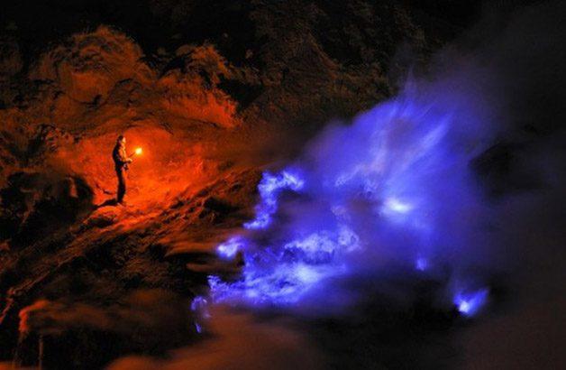 Glowing-Blue-Liquid-Volcano-4-600x392