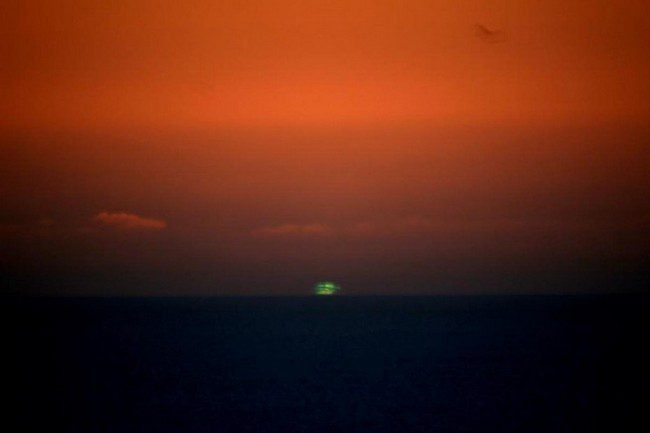 01-Green-Sunset-and-Sunrise