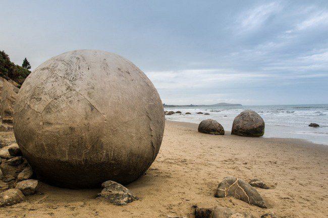 05-Sphere-Rocks