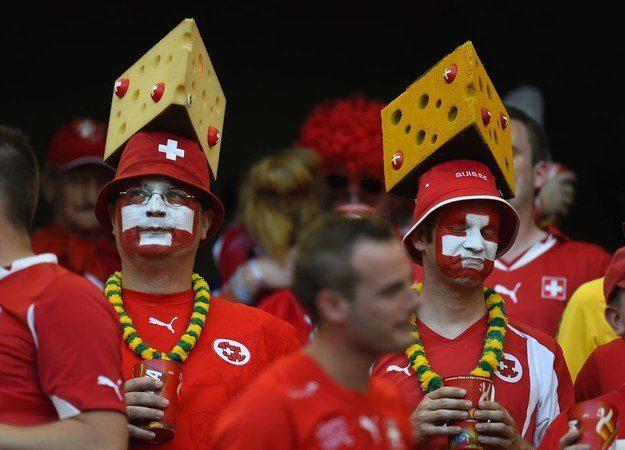 2° lugar: Suíça - chapéus de queijos (suiços, claro).