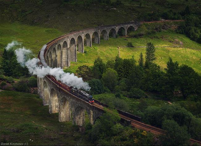 02 - Glenfinnan Viaduct, Scotland