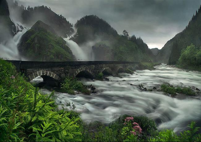 06 - Låtefossen Waterfall, Norway