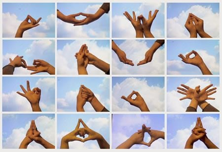 9_mudras-photoshopsized