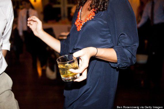 o-ALCOHOL-DRINKING-570