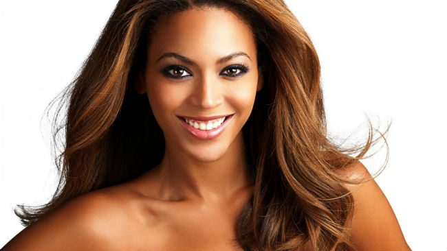 beyonce rosto oval