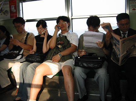 costumes_japoneses_falar_trem