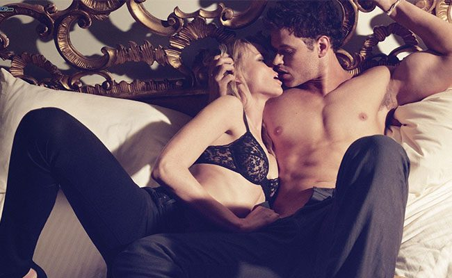couple-in-bed-163098