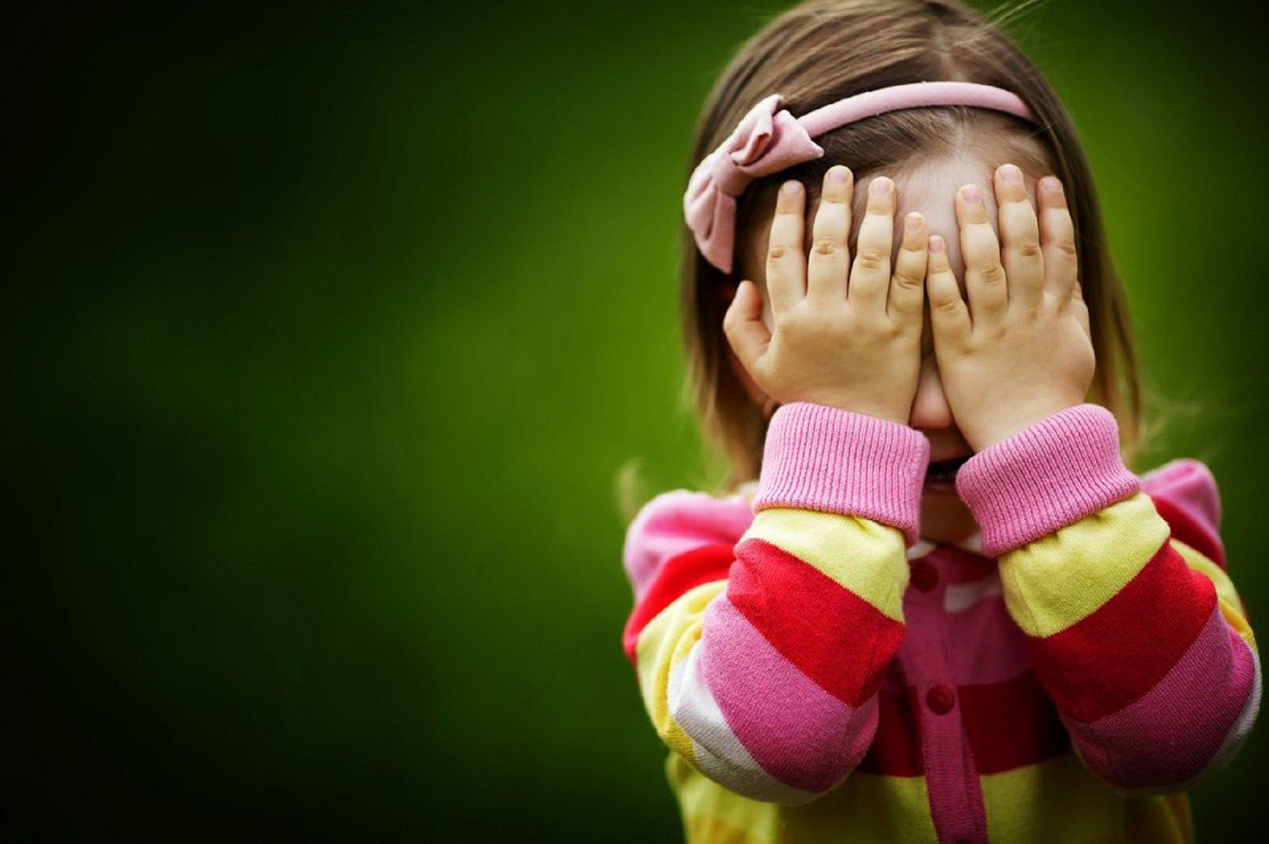 timidez-vergonha-criança