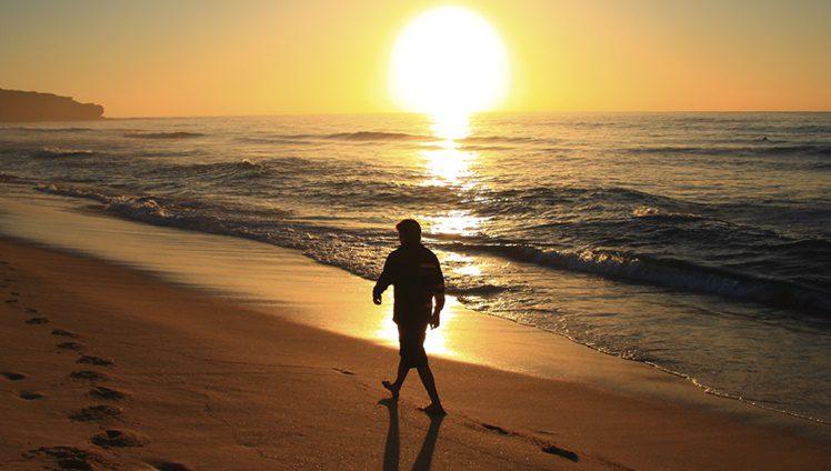 homem praia