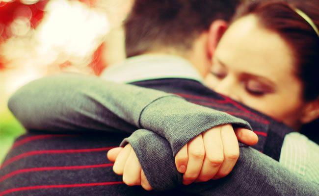 abraços são melhores para a sua saúde do que remédios