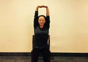 4 poses yoga para postura perfeita se você fica2