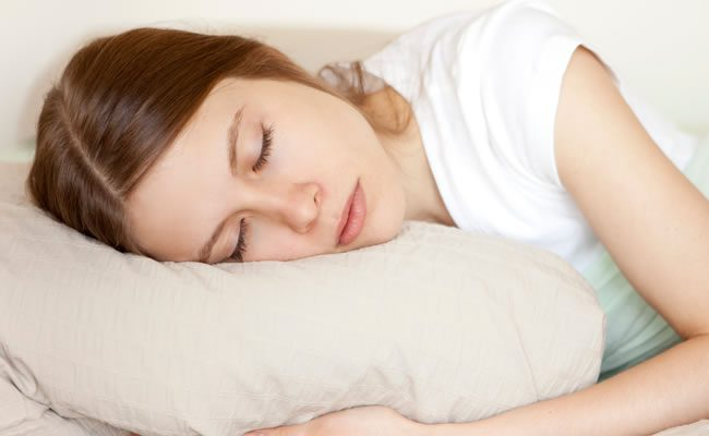 nova pesquisa diz que as mulheres precisam de mais sono