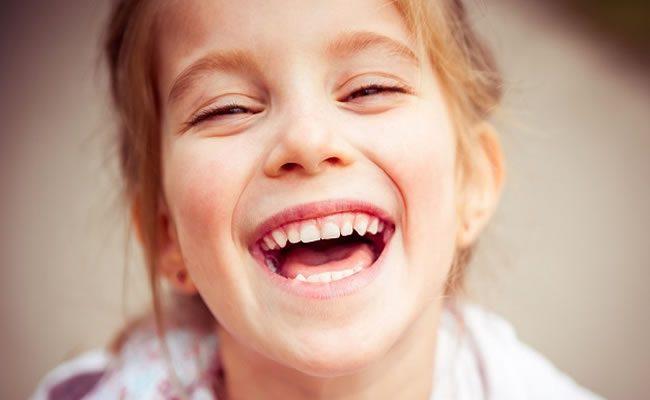 pesquisa diz que crianças religiosas são menos altruístas