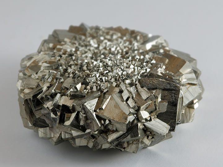 5 cristais poderosos que ajudam no combate4