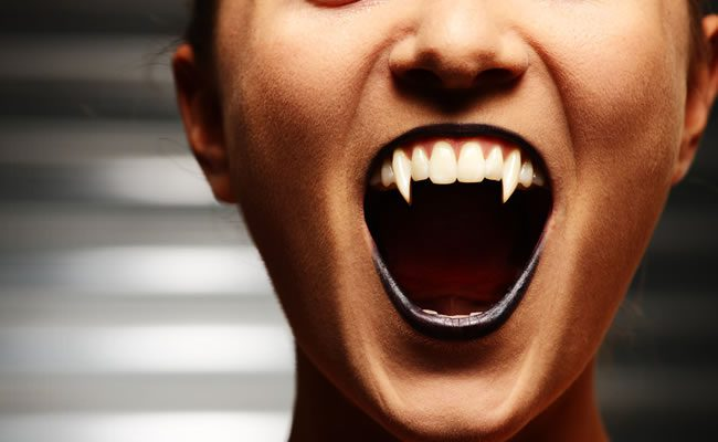 5 sinais de que seu parceiro é um vampiro