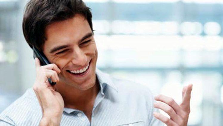 Falando ao celular