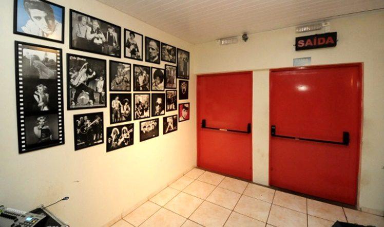 SAIDA DE EMERGENCIA - FOT0 01