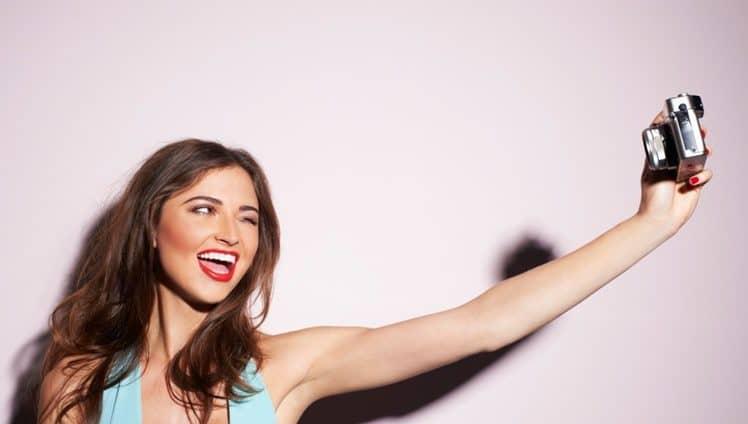 o-mundo-da-selfie-foto-de-capa-e-foto-de-dentro