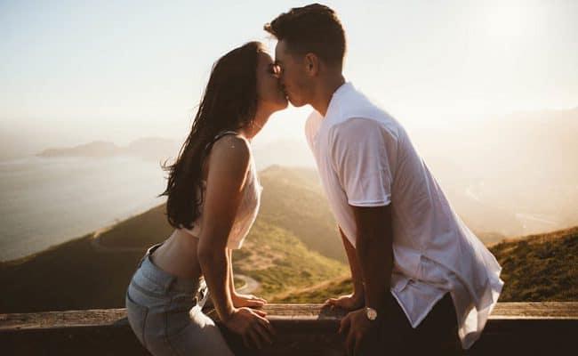 namore alguém que ama