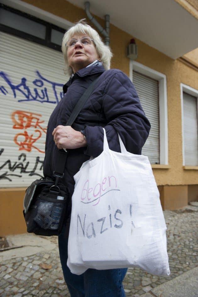 mulher idosa viaja alemanha2