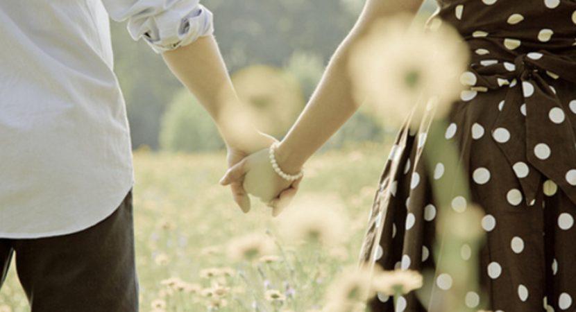 Quero Um Amor Para Andar De Mãos Dadas