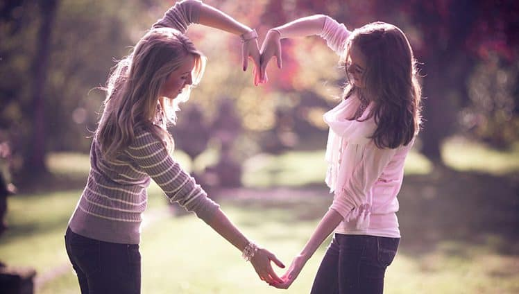 Um brinde às amizades fortes e duradouras