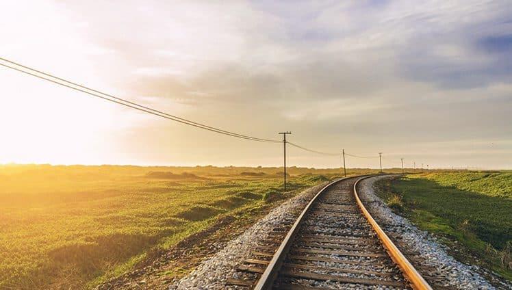 """""""A vida é trem bala parceiro. E a gente é só passageiro prestes a partir"""""""