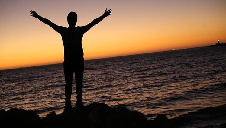 Deus nos deixa livres para tudo Mas para cada ação livre que temos existe uma reação certeira