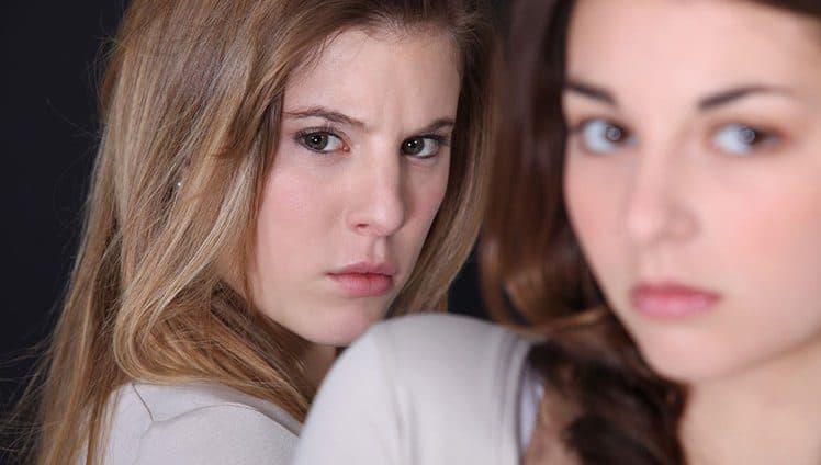 As relações que nos sugam fazem mais que isso nos aprisionam. Sejam elas românticas de amizade ou familiares…