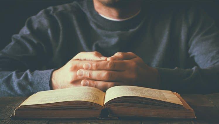 Por mais dias santos e pensamentos sagrados