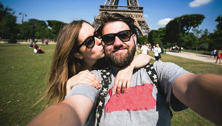 Se você não se ama muito não espere que alguém te ame apaixonadamente. Paris tem Paris dentro de si
