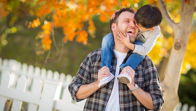 Sobre a paternidade Pai não é coadjuvante. Os homens também sentem sofrem e se importam. Escrito por uma mulher